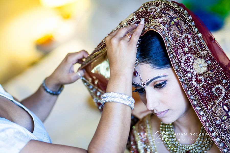 photo of the bride wears traditional asian clothes