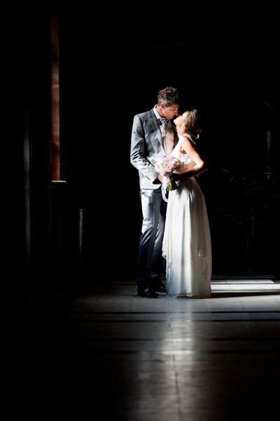 beautiful wedding portrait of Nadia and Marcelo with specifical light scheme