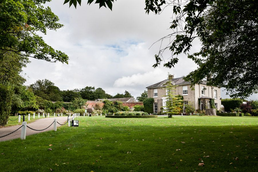 place for wedding with the garden in essex