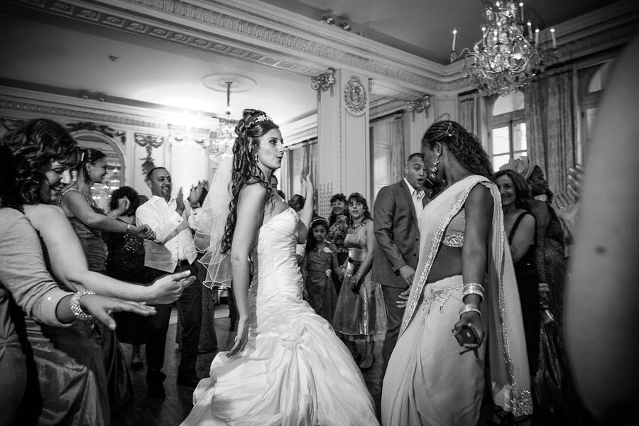 people dancing on the wedding in london hotel