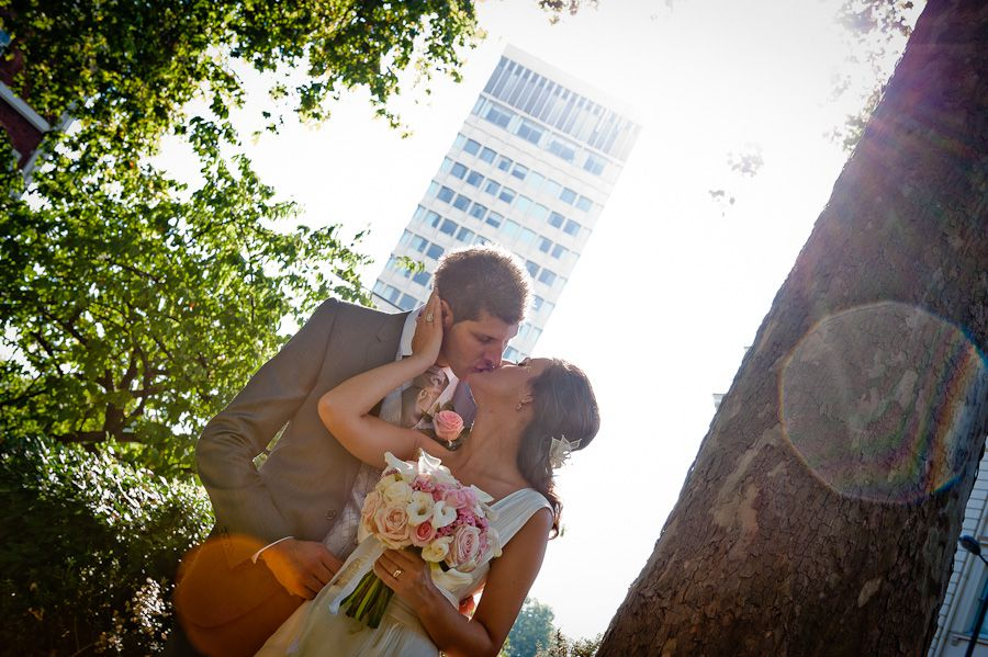 wedding photo session od nadia and marcello on the london streets
