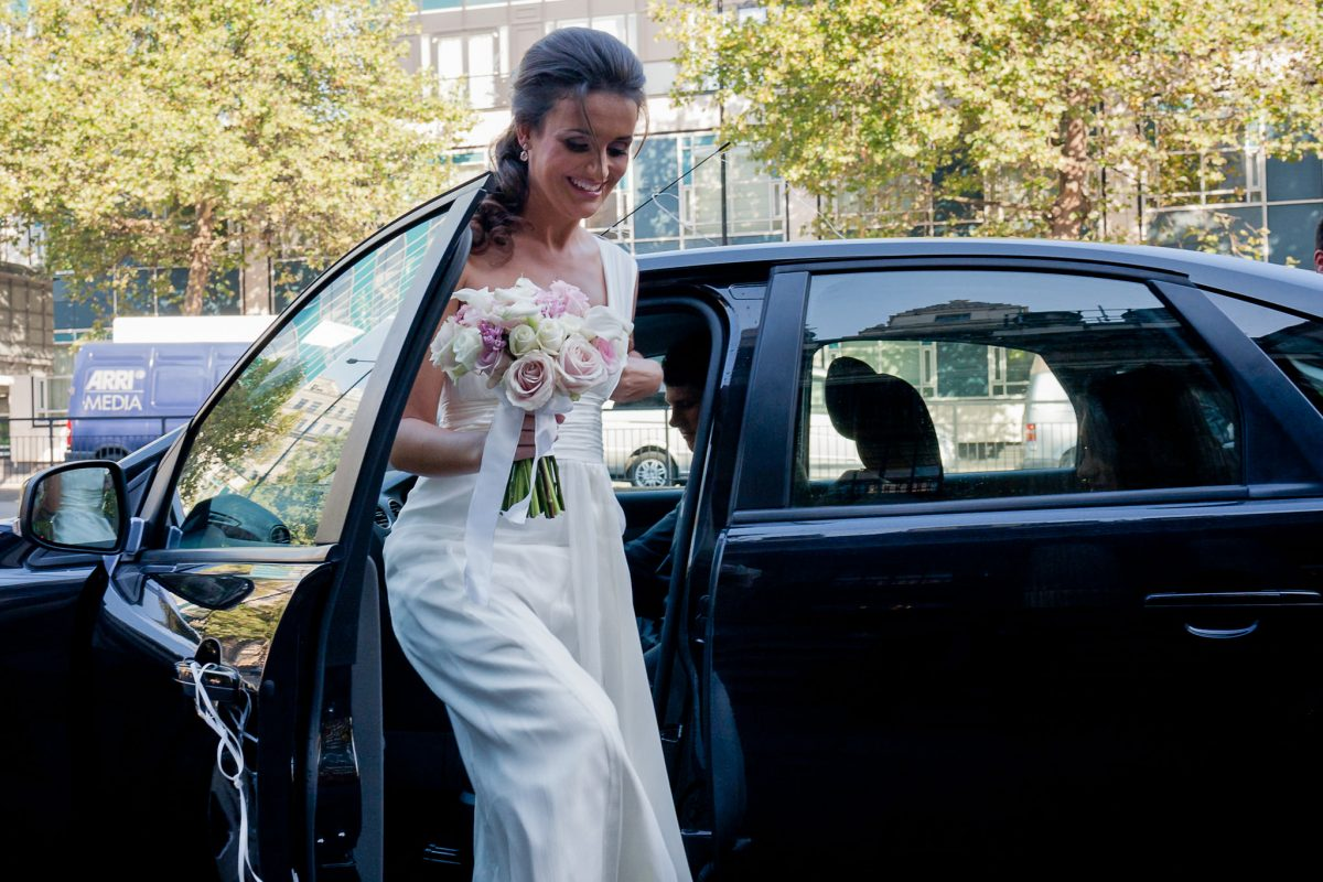 Old Marylebone Town Hall wedding bride getting off the car