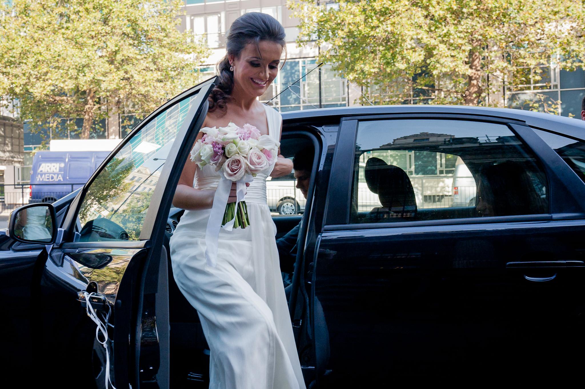 Old Marylebone Town Hall wedding bride getting off the car