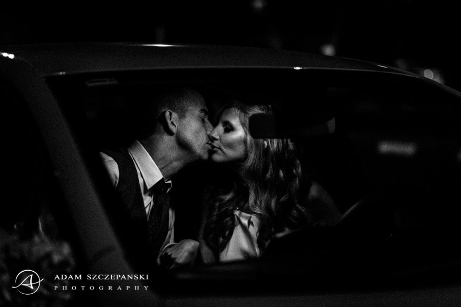 mika and tomer wedding kiss
