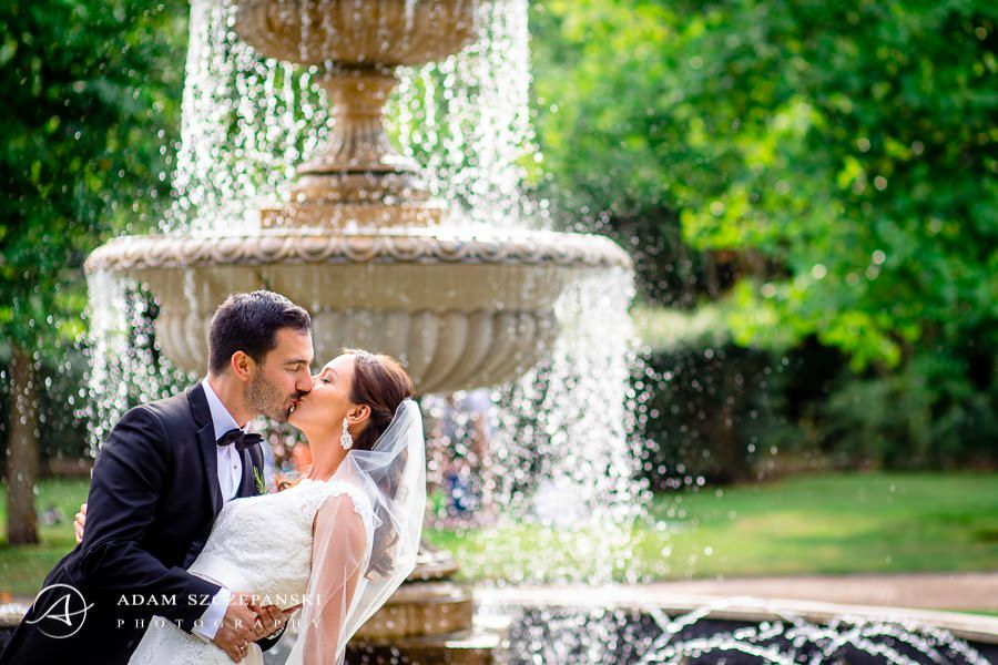 married couple at the fountain