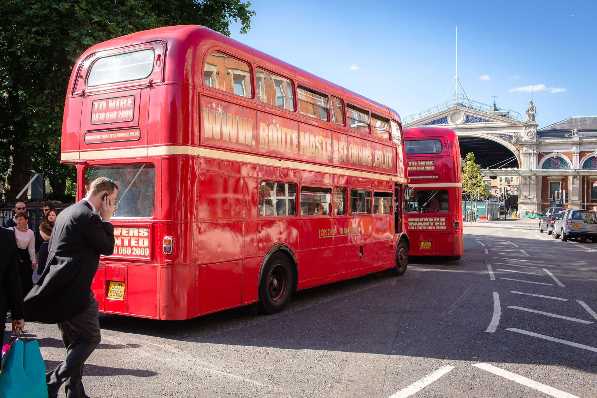 St. Pancras hotel wedding busses
