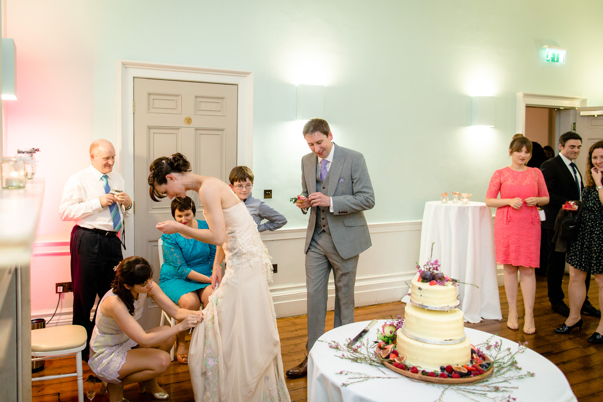 Clissold House wedding room with cake