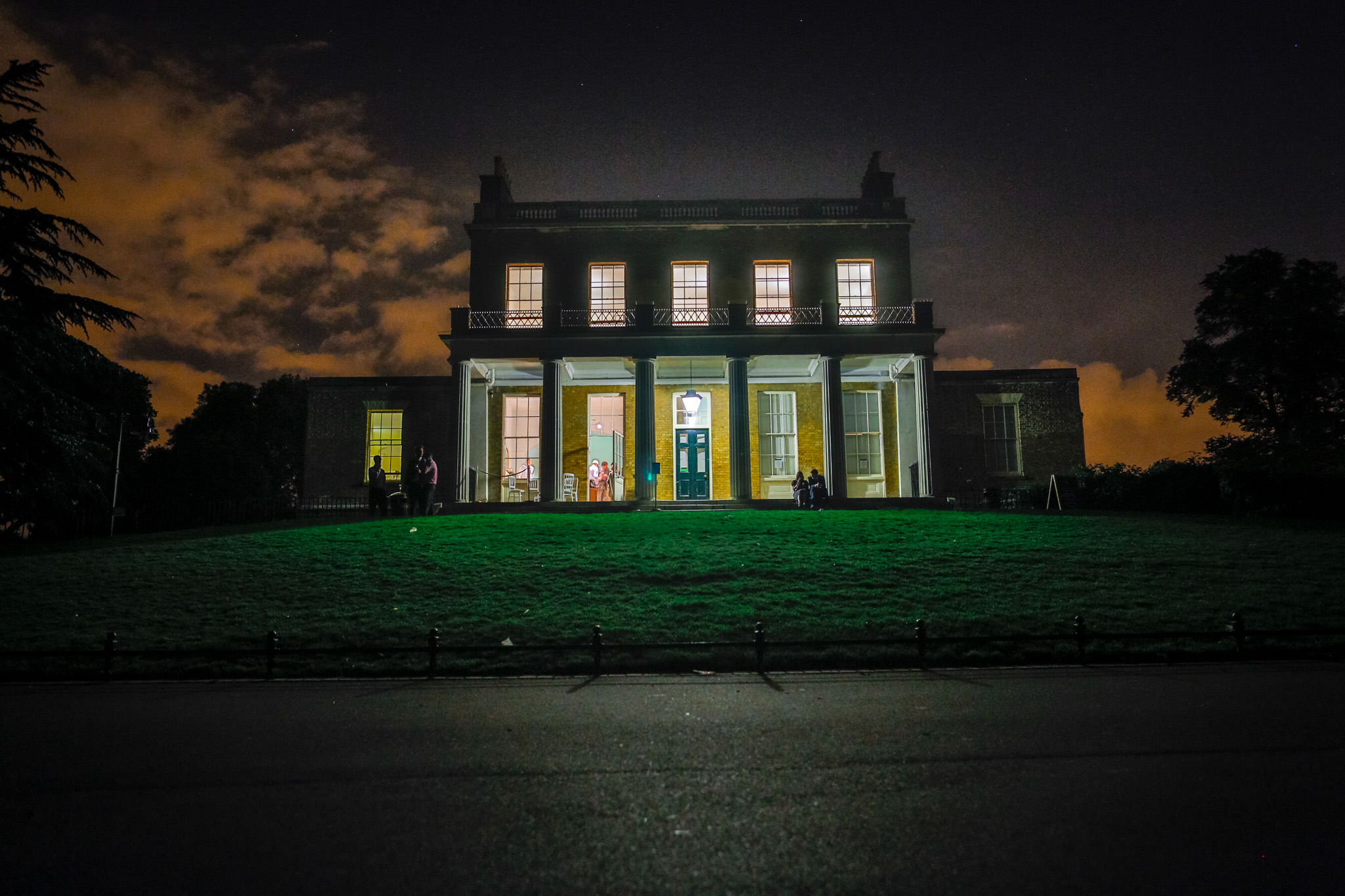 Clissold House wedding venue view in the night