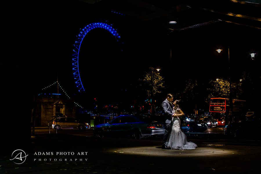 romantic wedding photo session in london at night