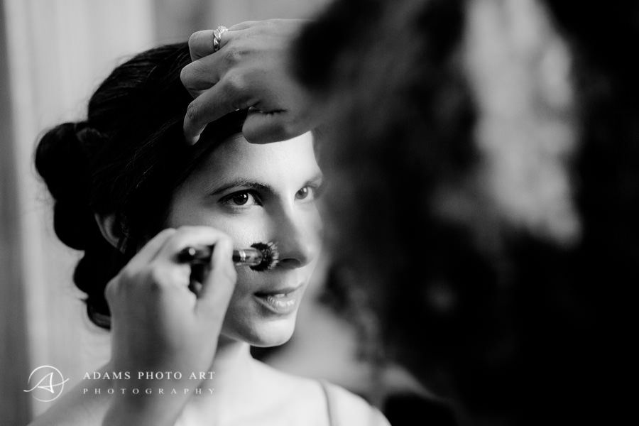 Making bride make-up