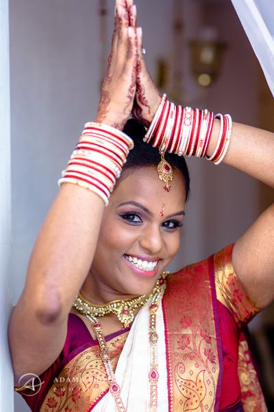 woman in the tamil traditional clothing