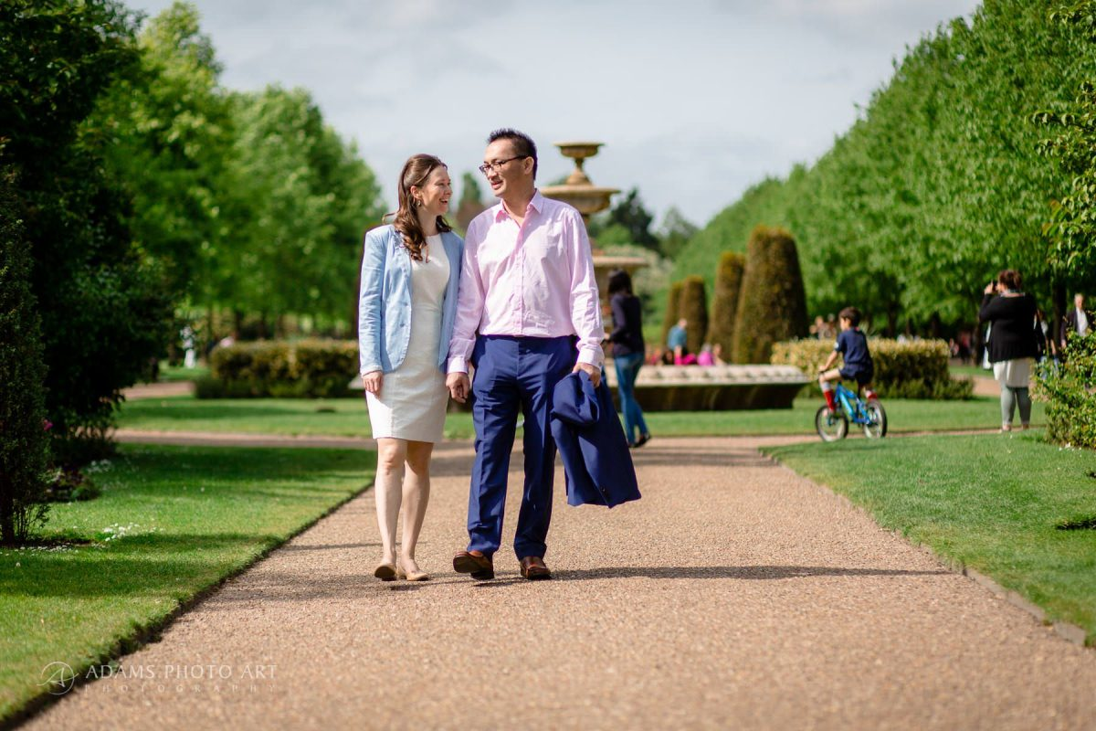 engagement photography in the regents park