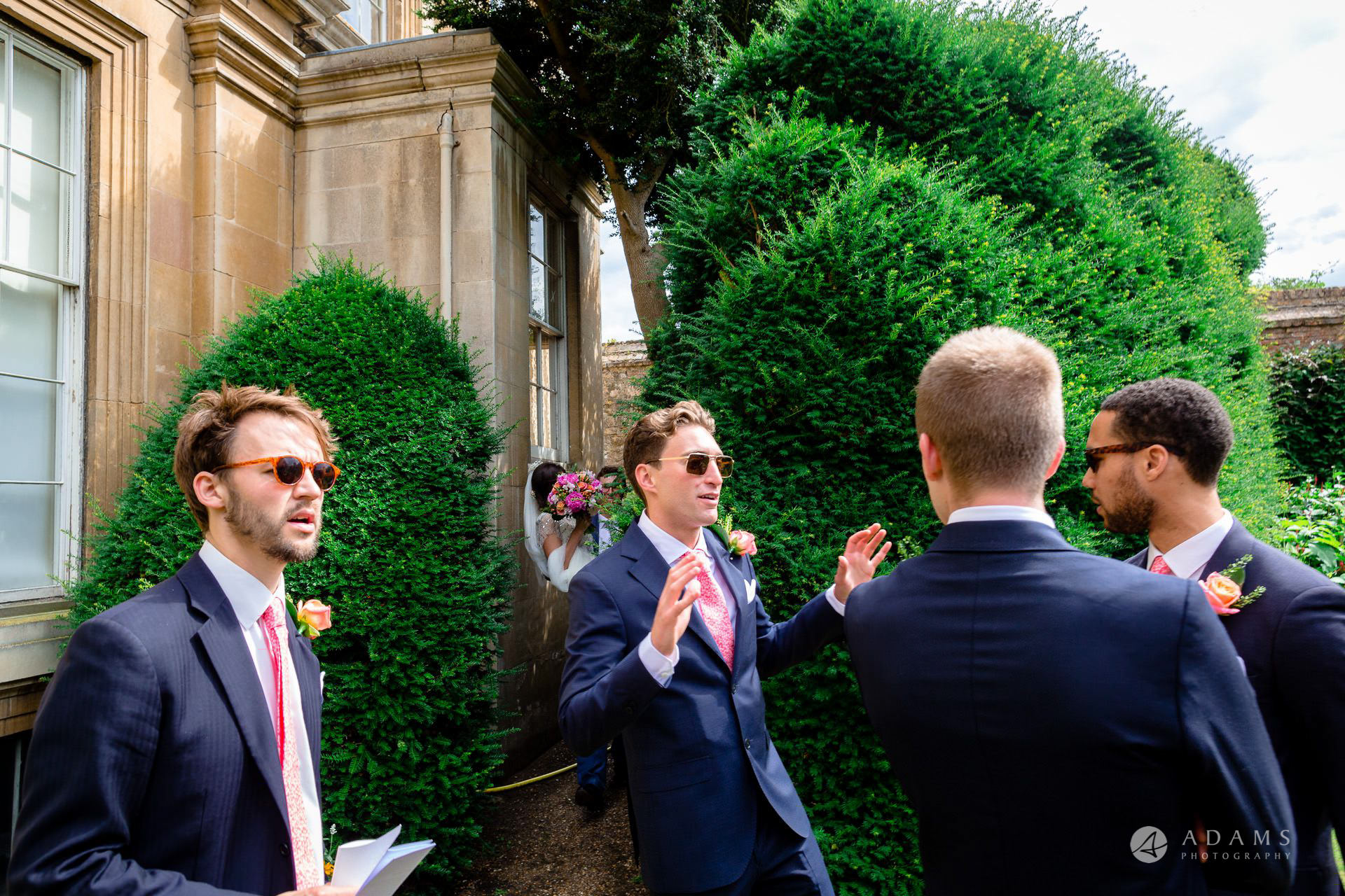 Clare College wedding best man prepare the guests for the confetti shot