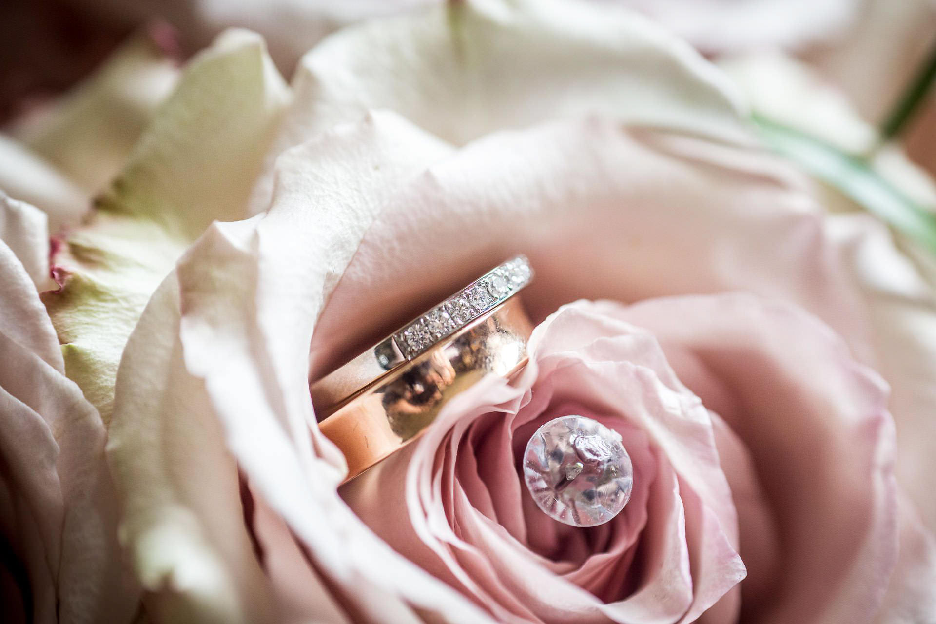 Wotton House wedding rings on the flowers