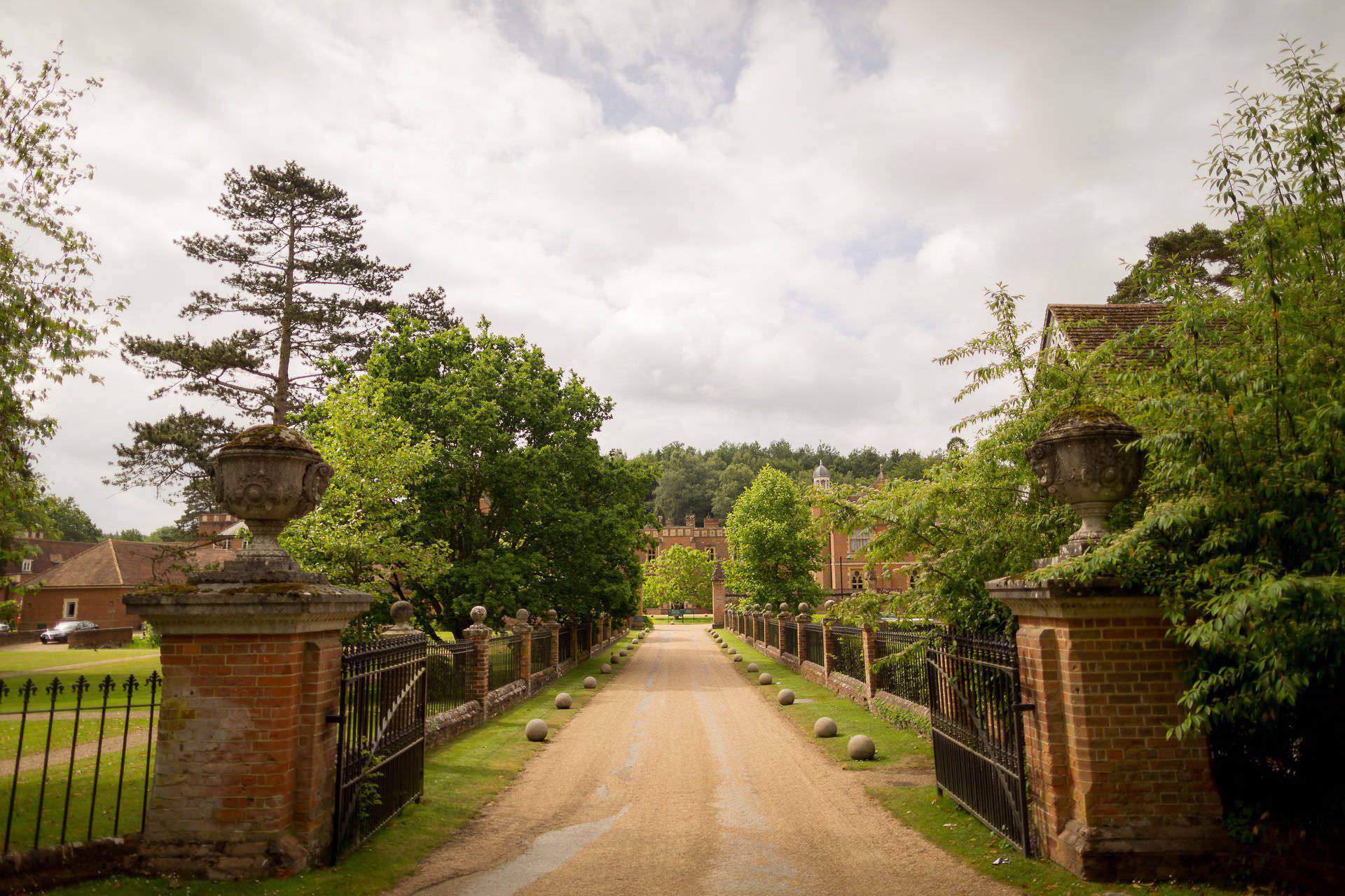 Wotton House wedding entrance to the hotel