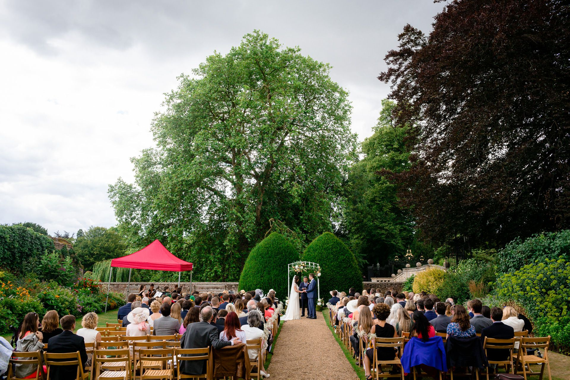 photography of the weddding ceremony london