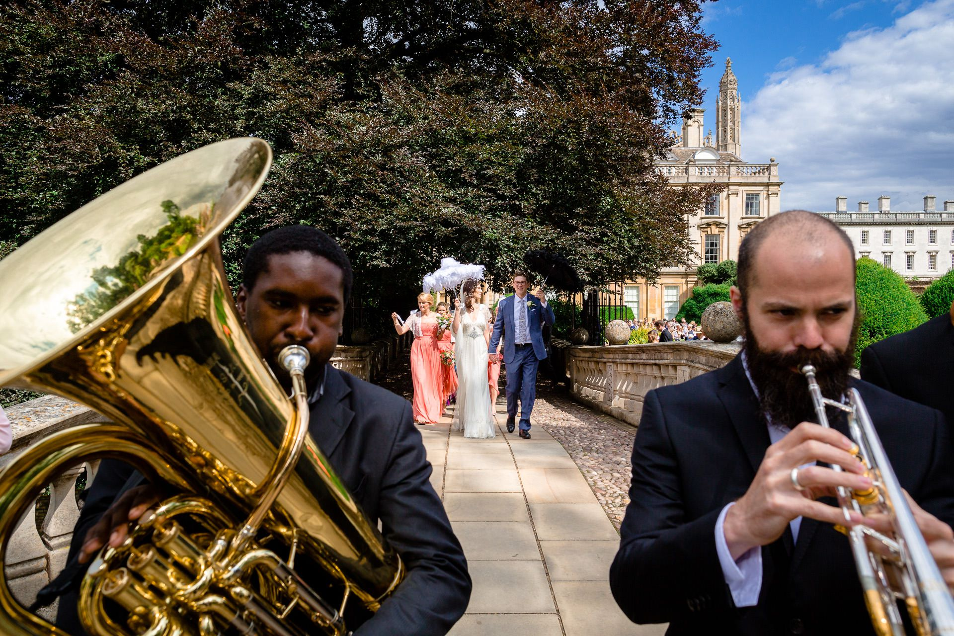musicians and the married couple on the background