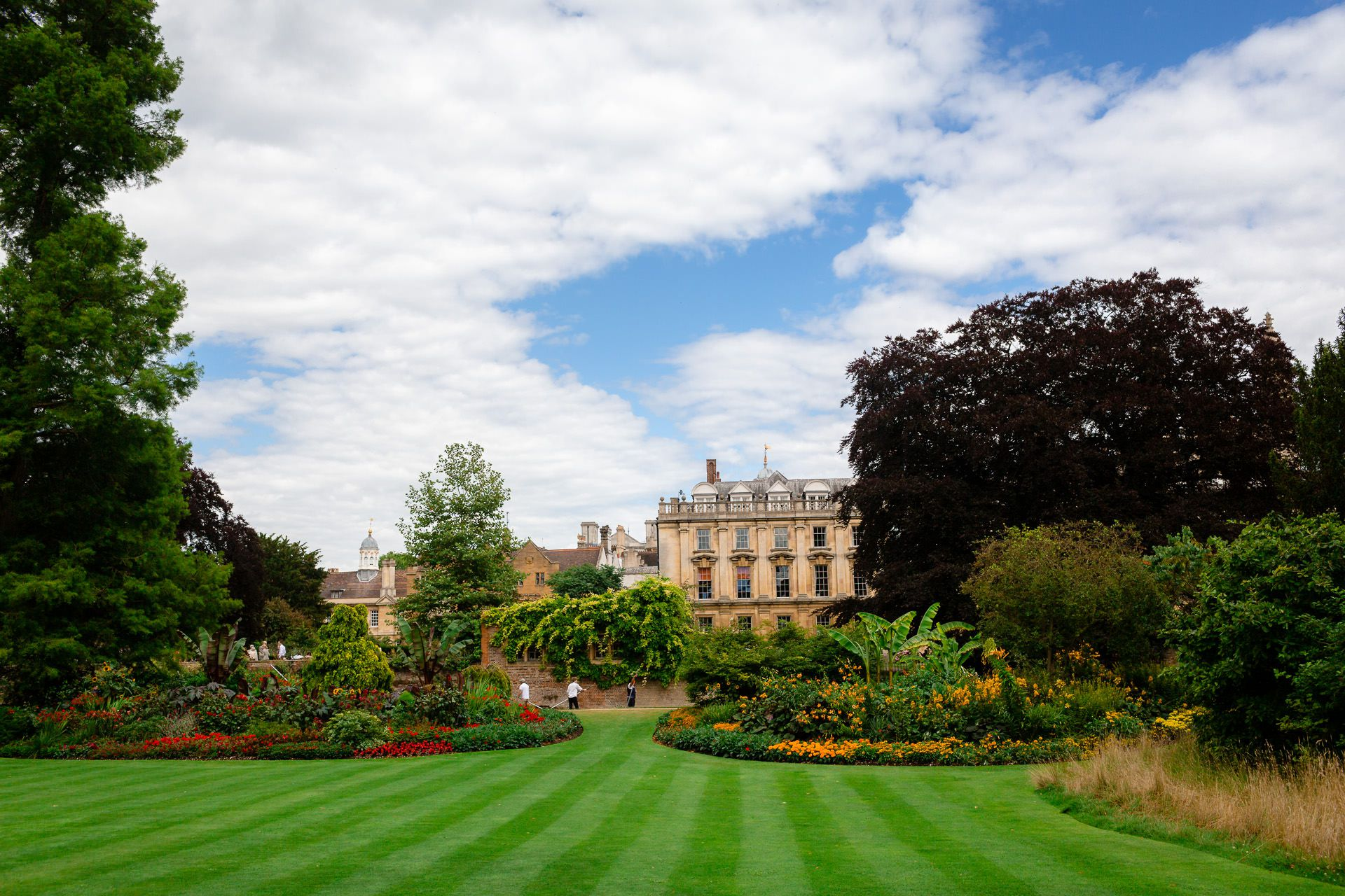 photo of the garden and palace