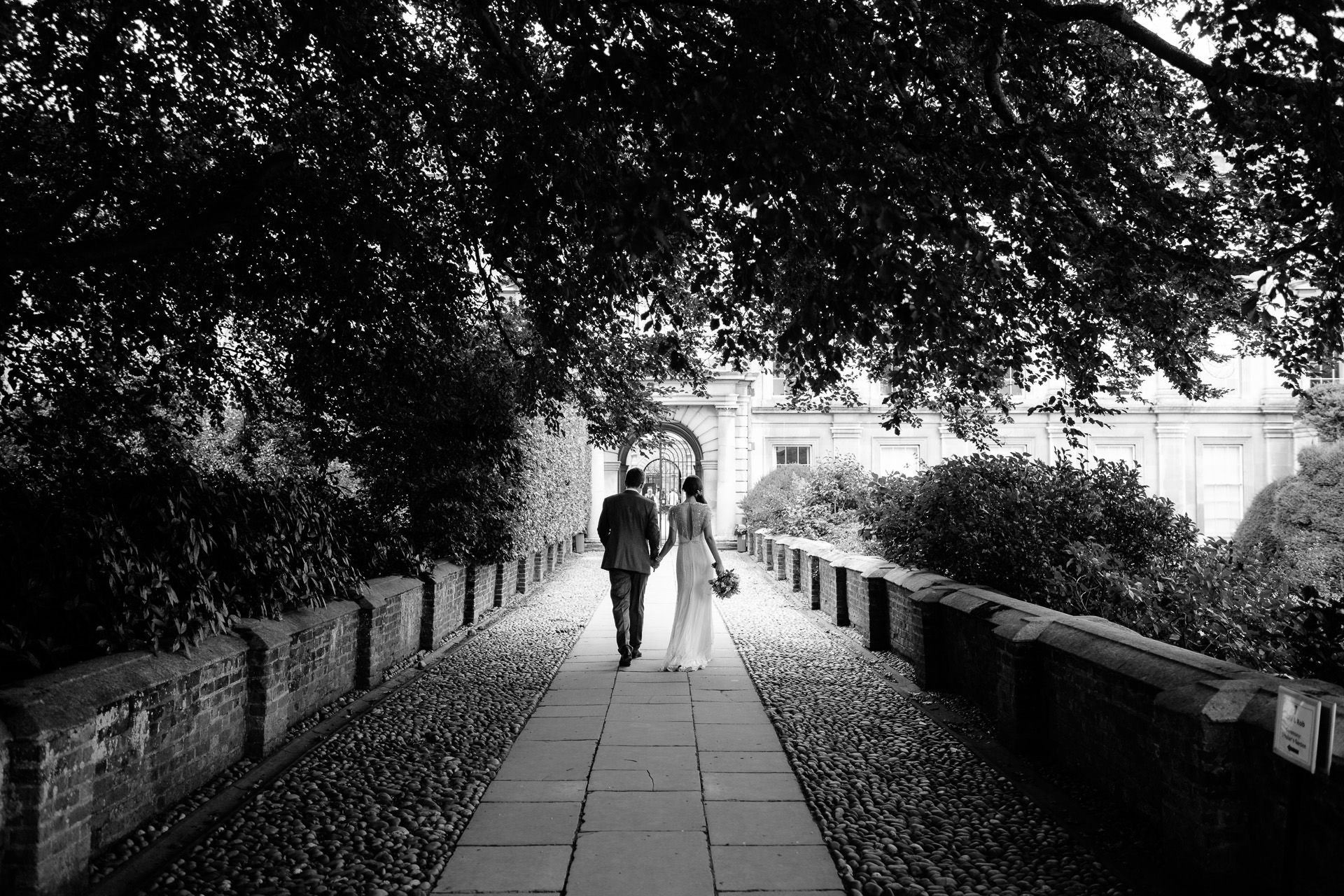 weddding photgraphy session of the young couple in london
