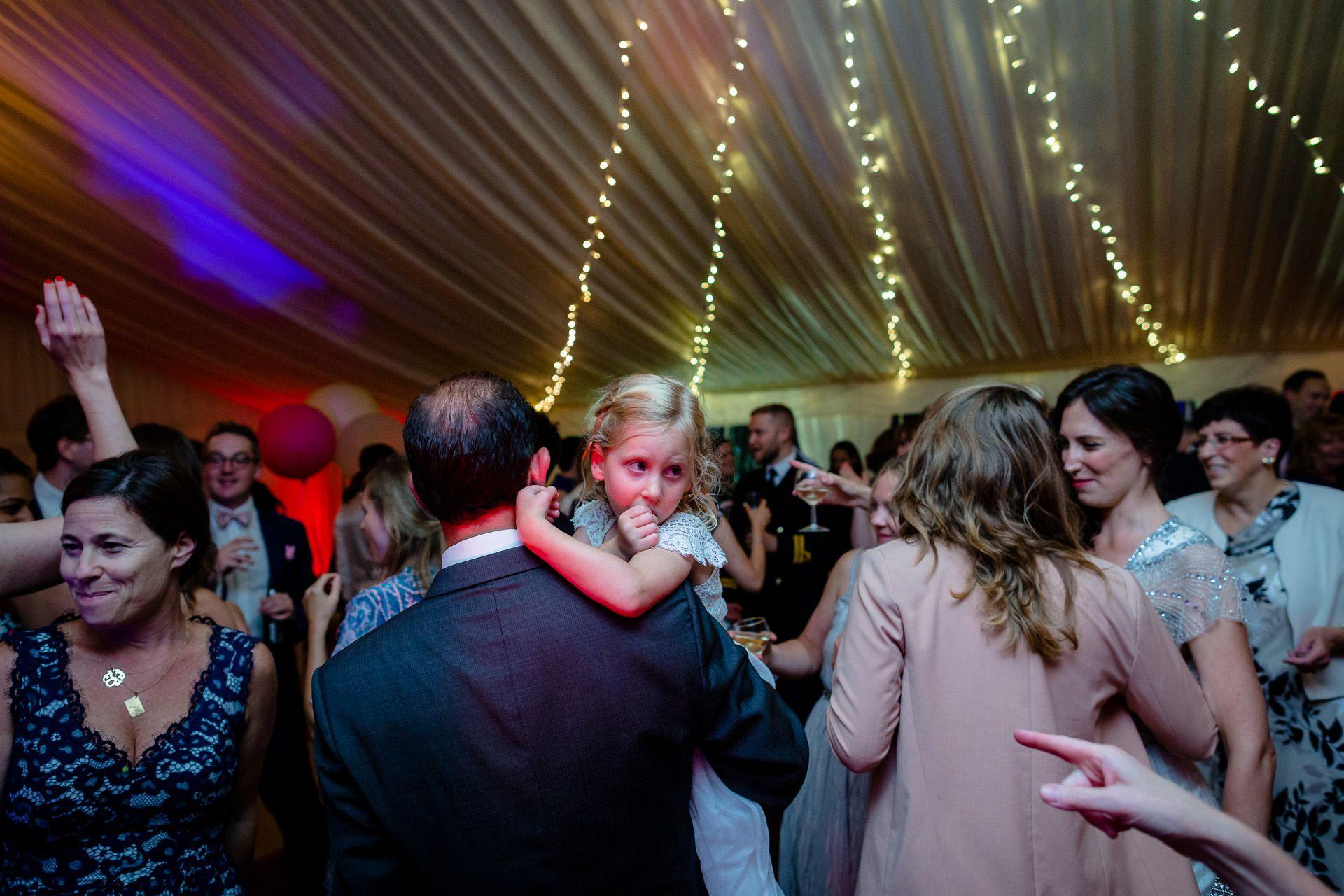 weddin guests dancing