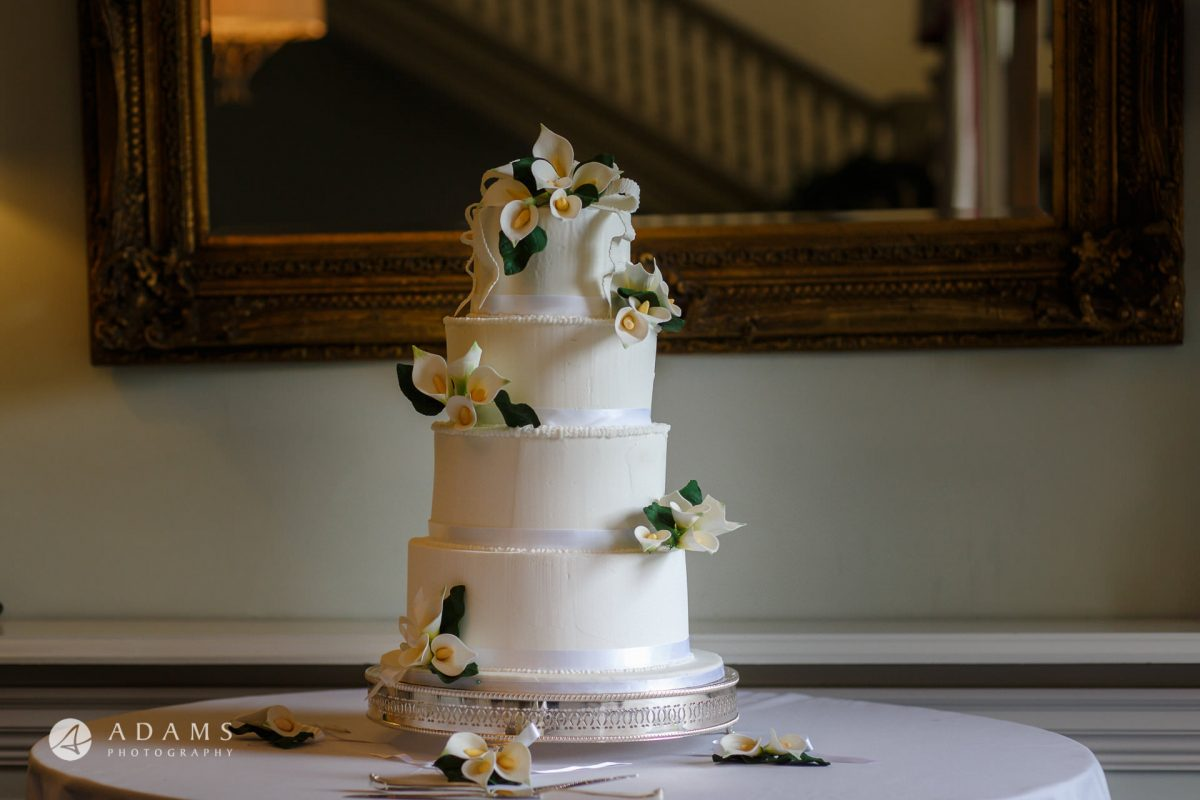 wedding cake at Morden Hall