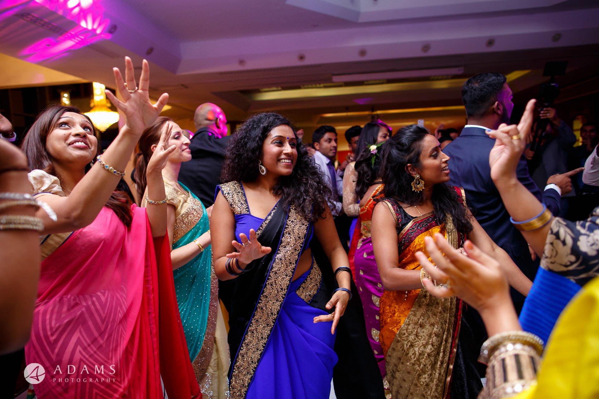 Baylis House Wedding Photographer | Sara + Anojan 31