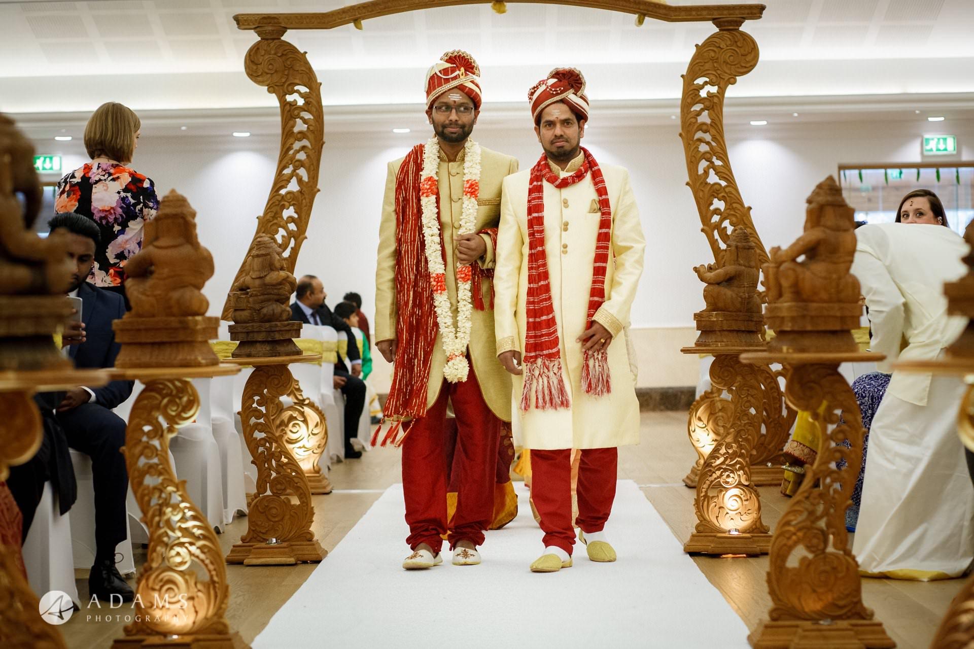 Oshwal Centre Wedding Photos   Twa + Len 12