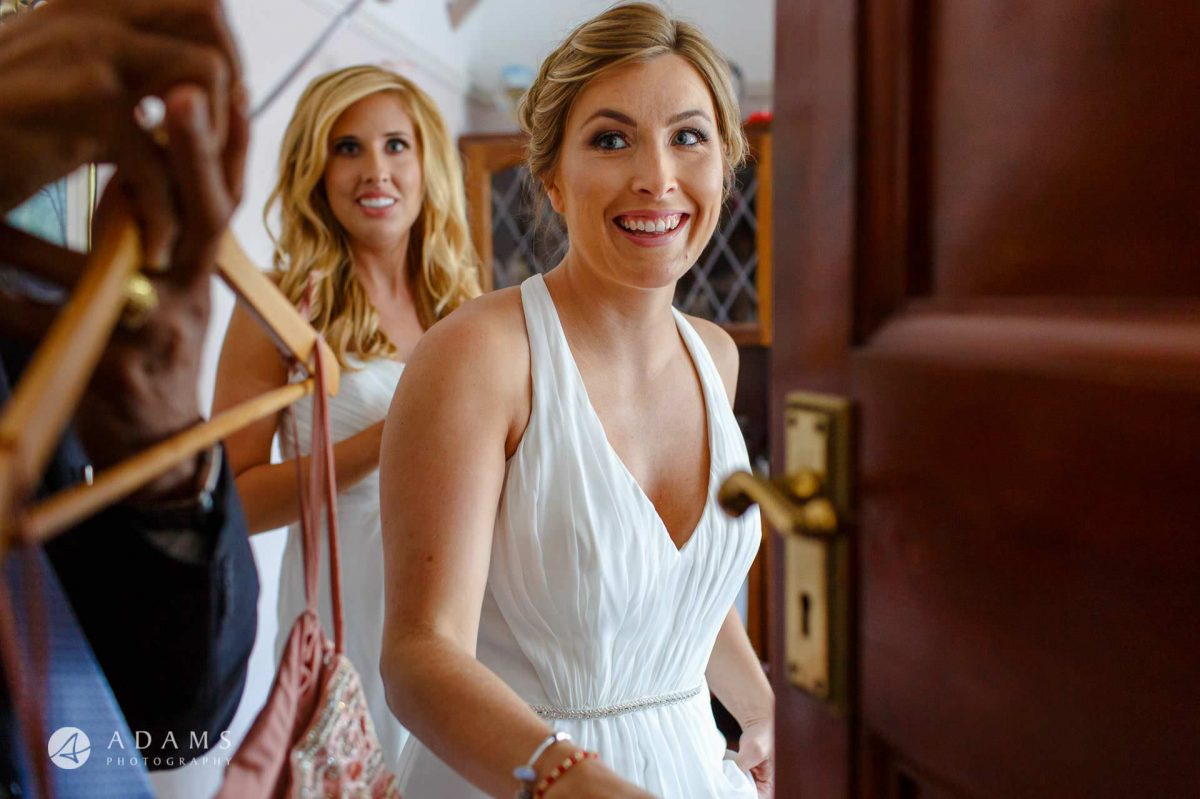 middle temple hall wedding photographer bridesmaids getting ready