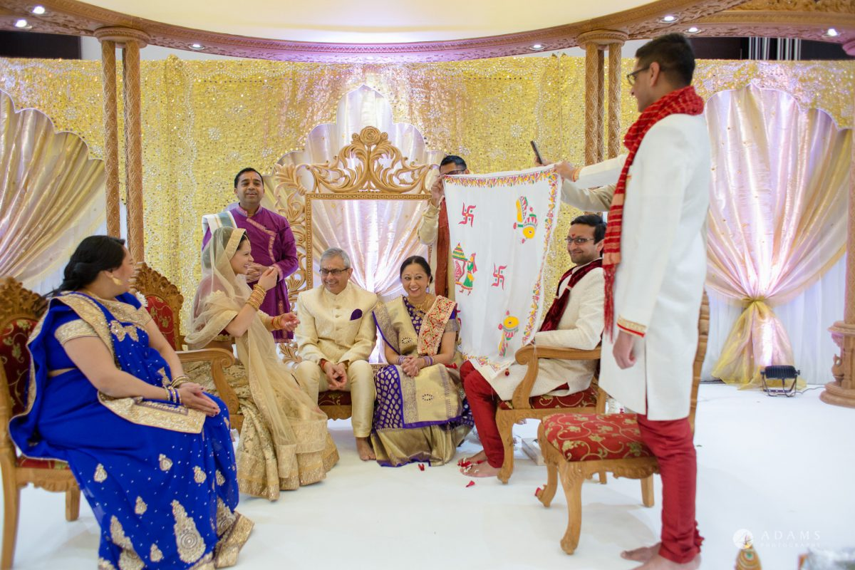 Hilton London Syon Park Asian Wedding hindu ceremony starts