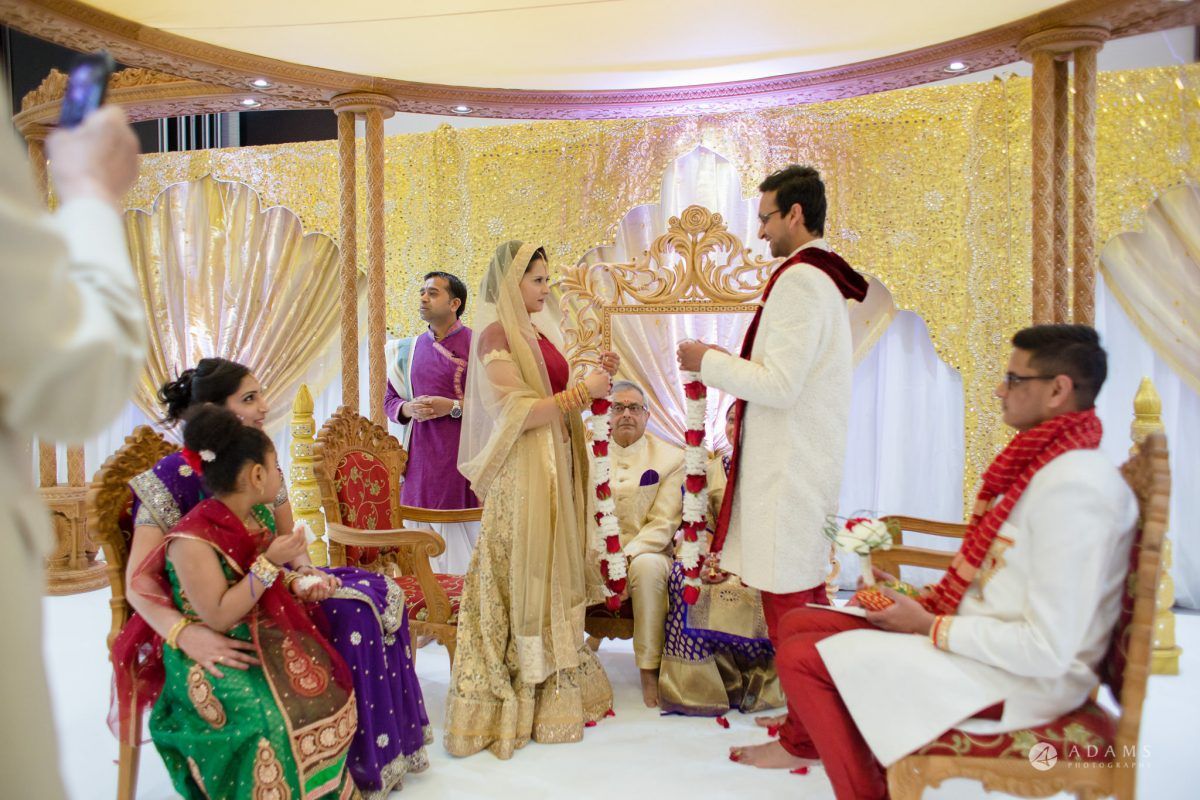 Hilton London Syon Park Asian Wedding hindu garland exchange