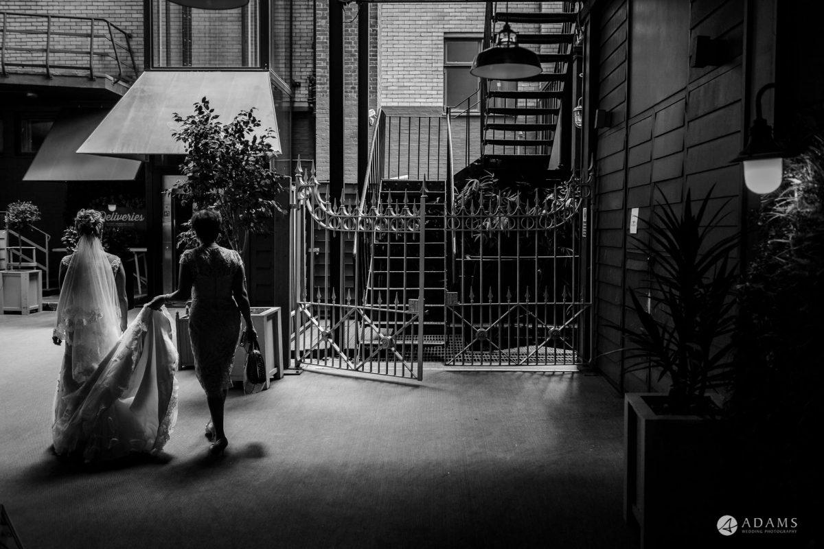 Eight Members Club Moorgate London Wedding Photography | Marina + Abiy 52