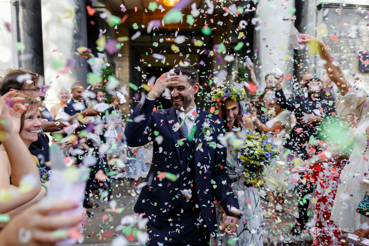 Clissold house wedding confetti