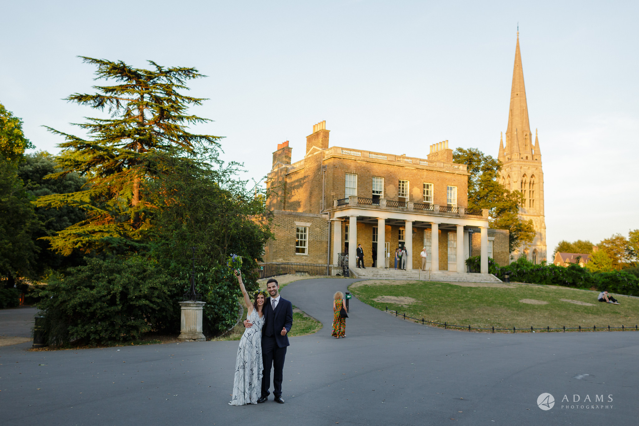 Clissold house wedding bride and groom in front of the Clissold house