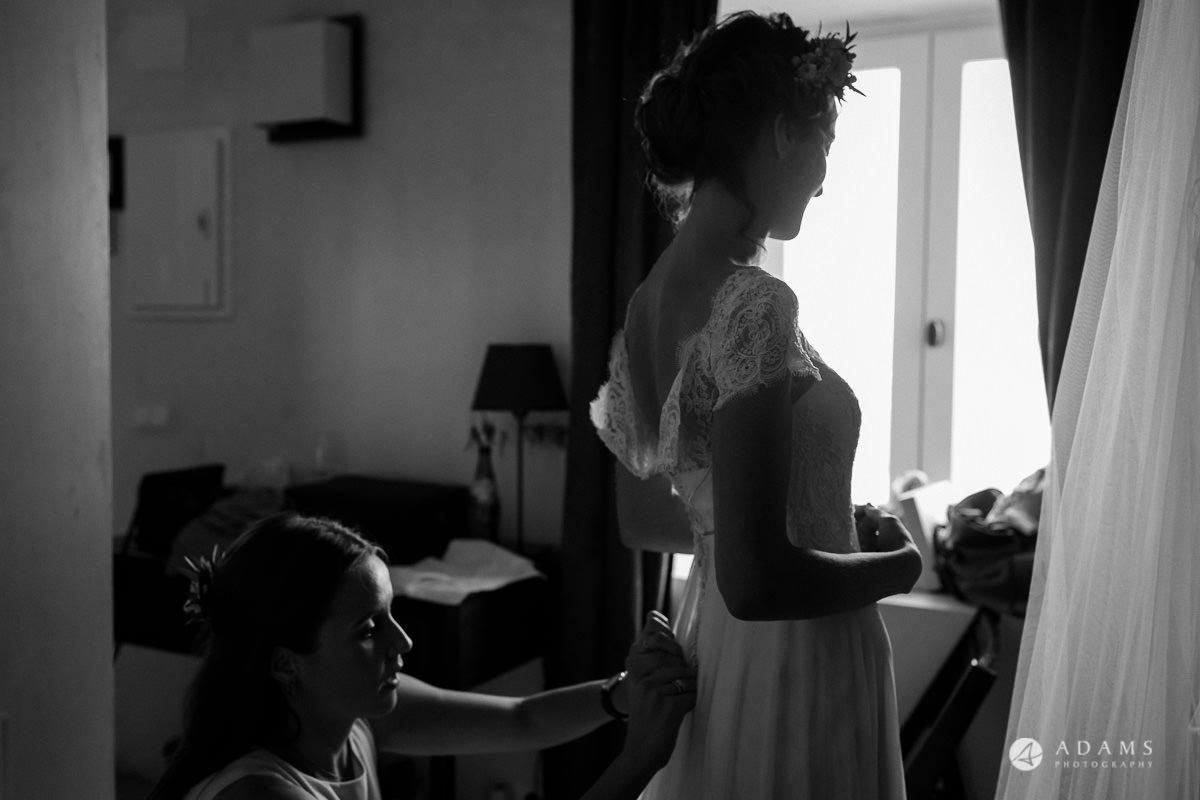 Spain Wedding photos bride in the dress