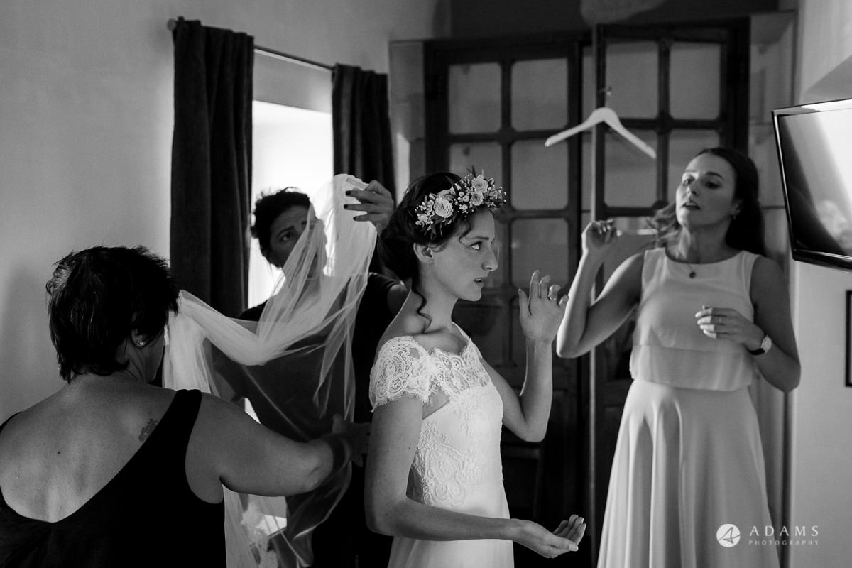 Spain Wedding photos bridal party in the room getting ready
