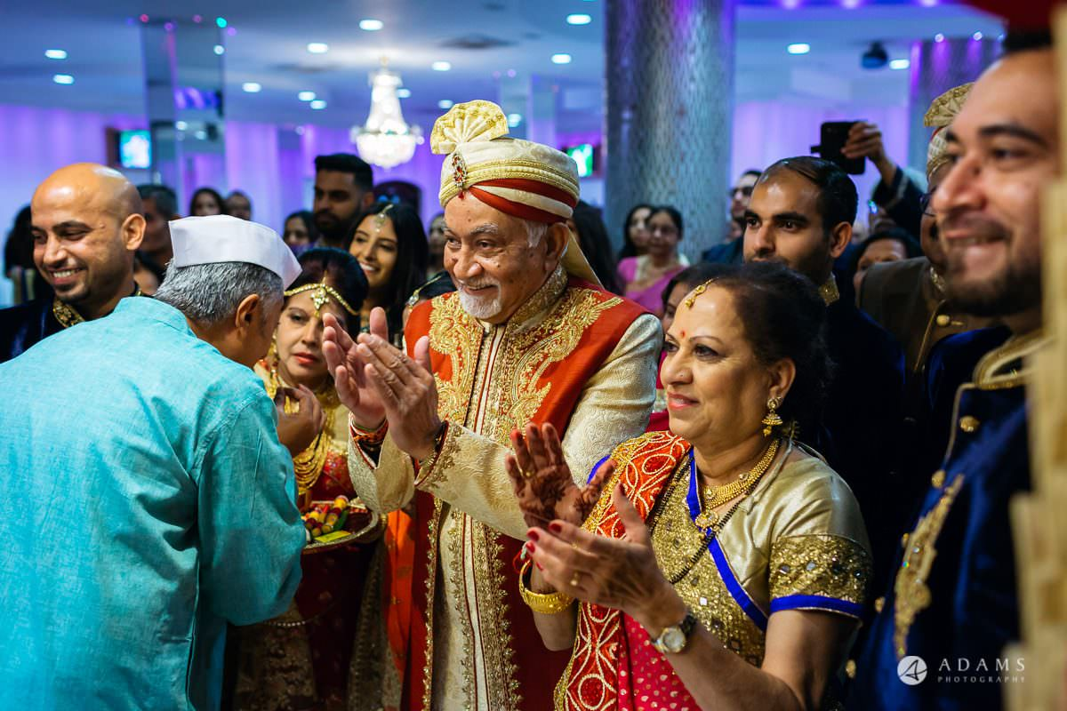 Hindu Wedding Premier Banqueting London Photos | Devina & Aakash 11