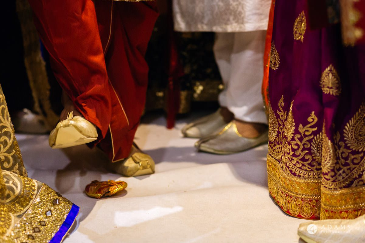 Hindu Wedding Premier Banqueting London Photos | Devina & Aakash 13