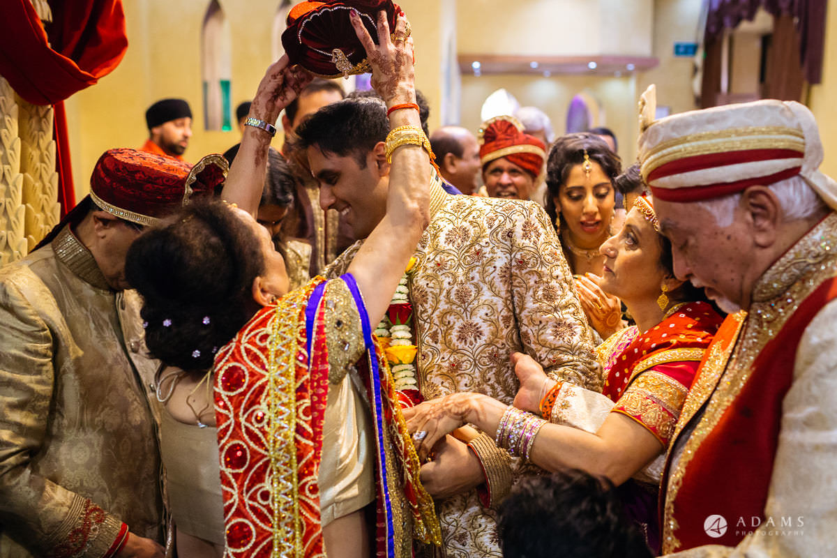 Hindu Wedding Premier Banqueting London Photos | Devina & Aakash 14