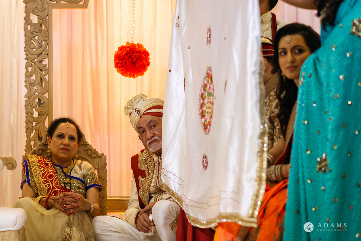 Hindu Wedding Premier Banqueting London Photos | Devina & Aakash 17