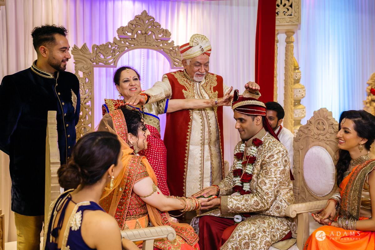 Hindu Wedding Premier Banqueting London Photos | Devina & Aakash 23