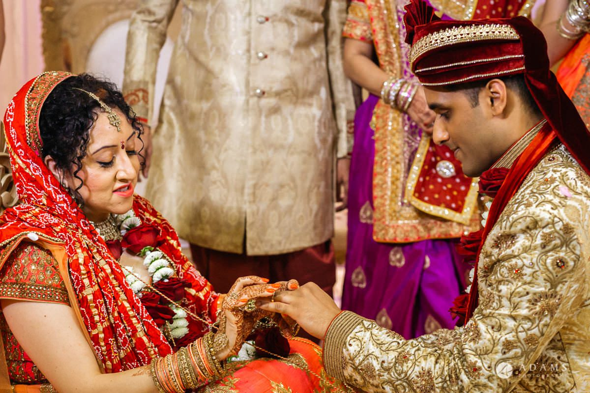Hindu Wedding Premier Banqueting London Photos | Devina & Aakash 27