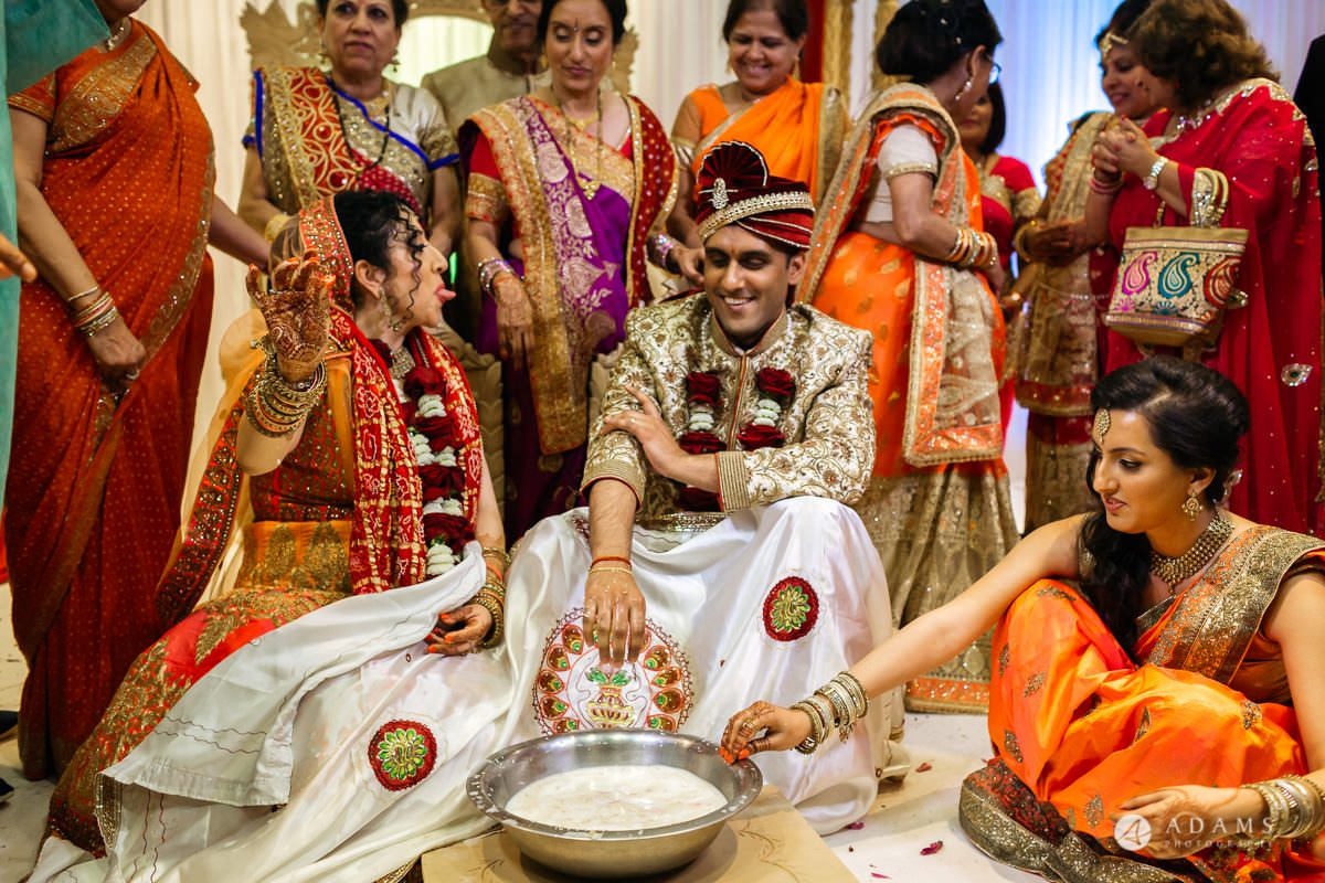 Hindu Wedding Premier Banqueting London Photos | Devina & Aakash 32