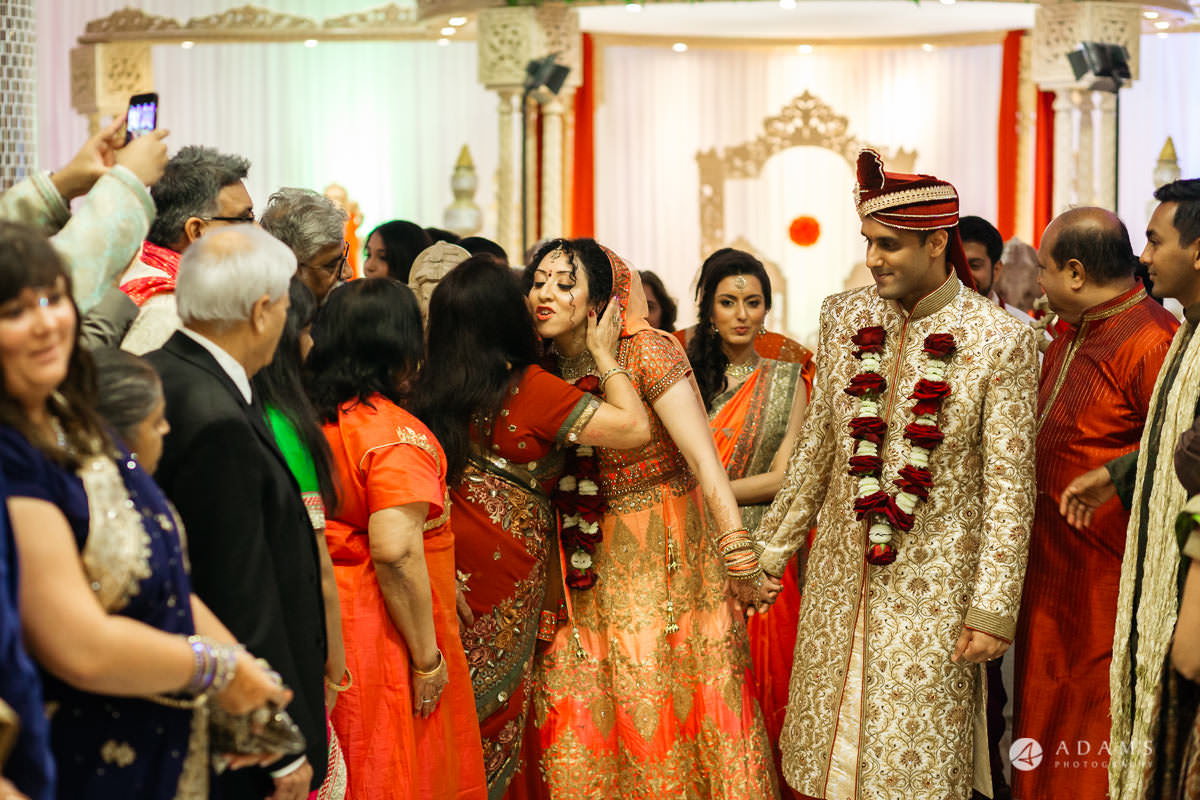 Hindu Wedding Premier Banqueting London Photos | Devina & Aakash 33