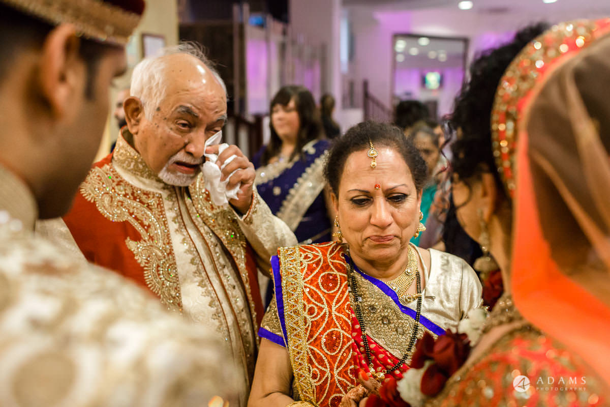 Hindu Wedding Premier Banqueting London Photos | Devina & Aakash 34