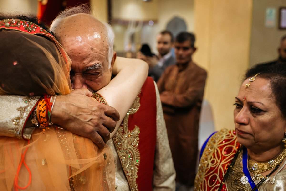 Hindu Wedding Premier Banqueting London Photos | Devina & Aakash 70