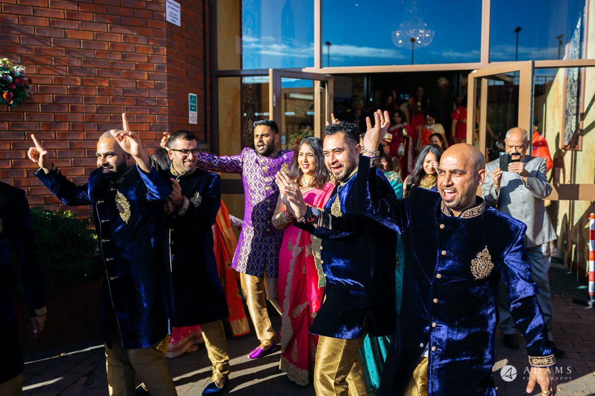 Hindu Wedding Premier Banqueting London Photos | Devina & Aakash 4