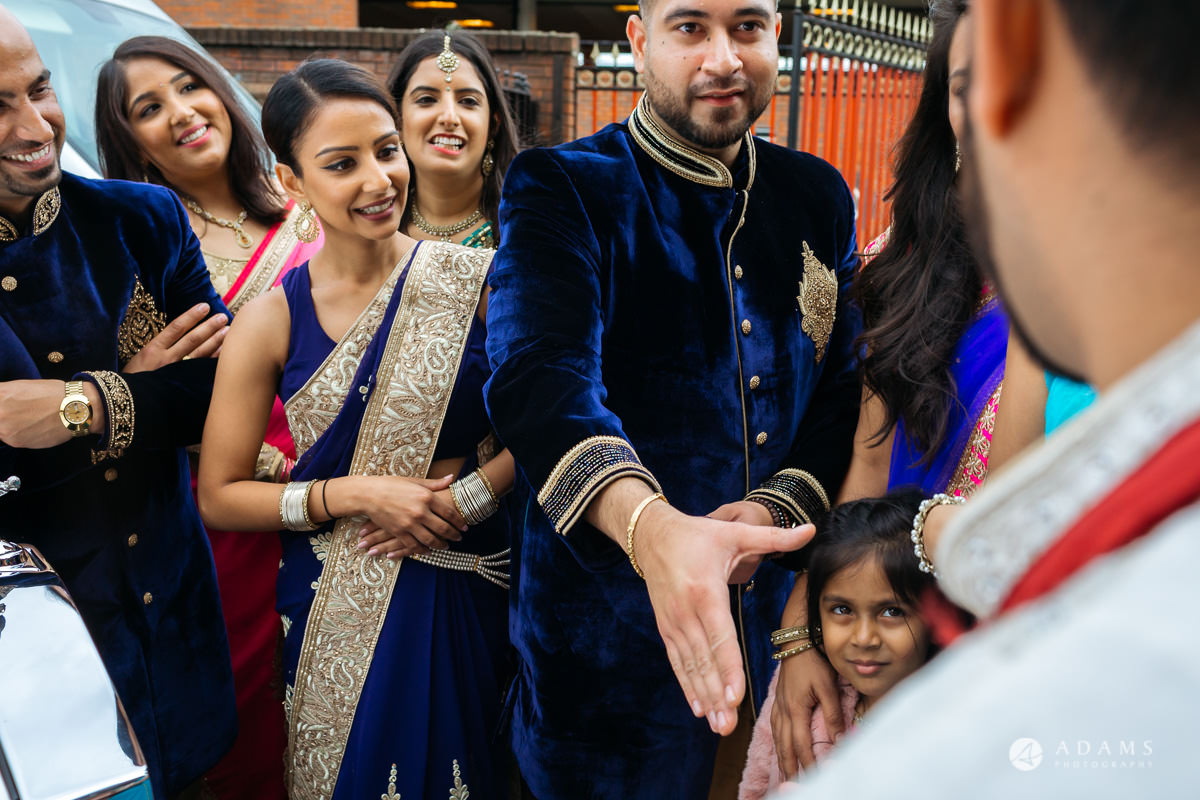 Hindu Wedding Premier Banqueting London Photos | Devina & Aakash 40