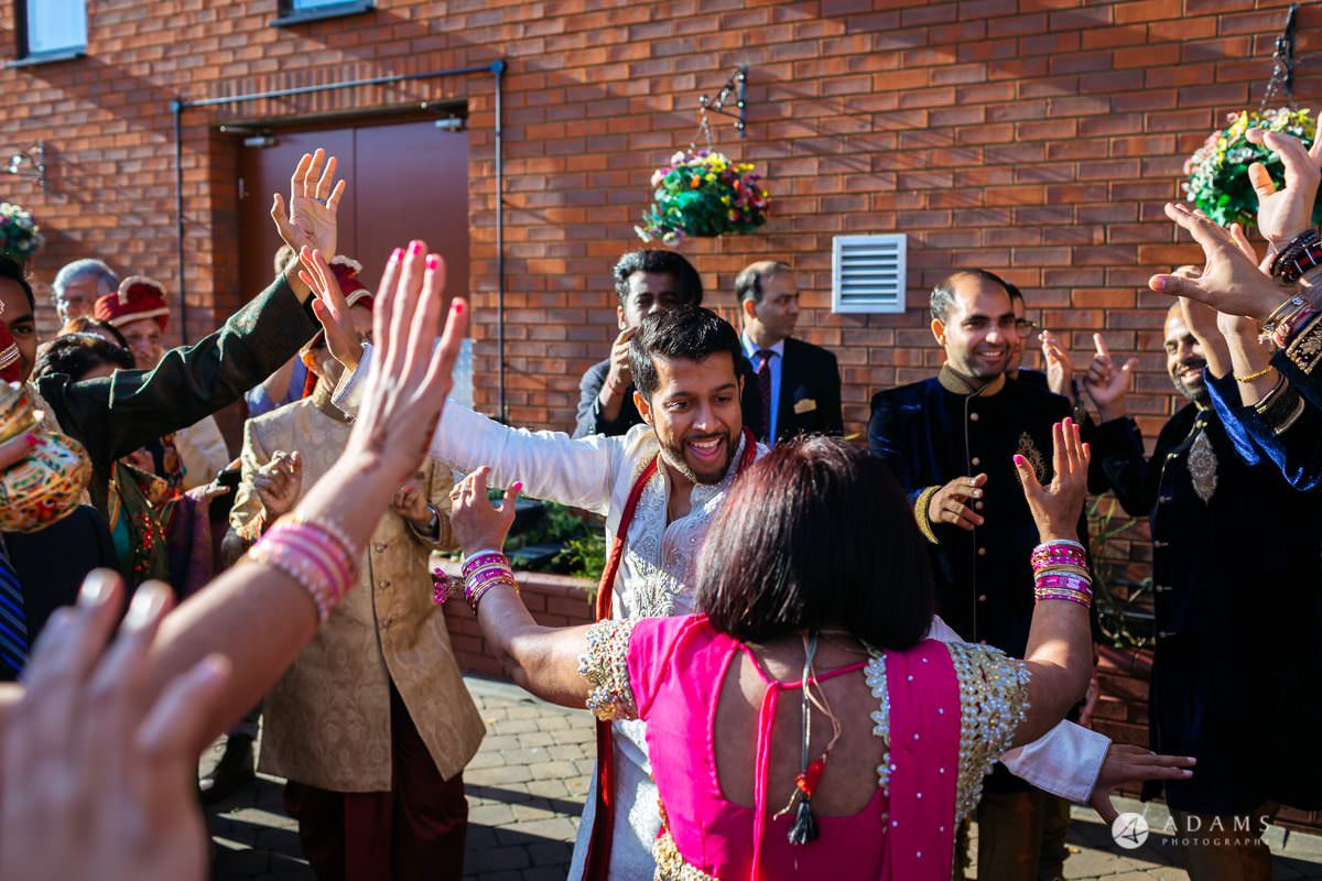 Hindu Wedding Premier Banqueting London Photos | Devina & Aakash 5