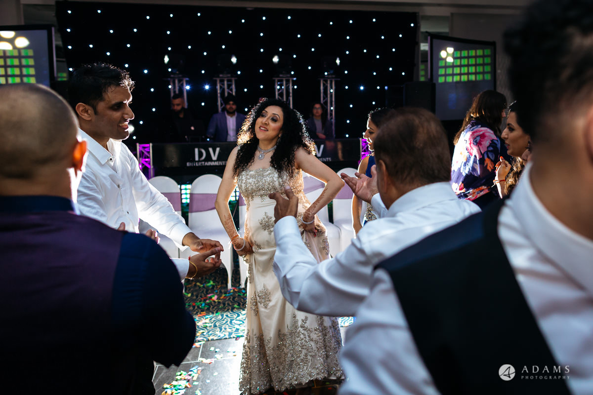Hindu Wedding Premier Banqueting London Photos | Devina & Aakash 68