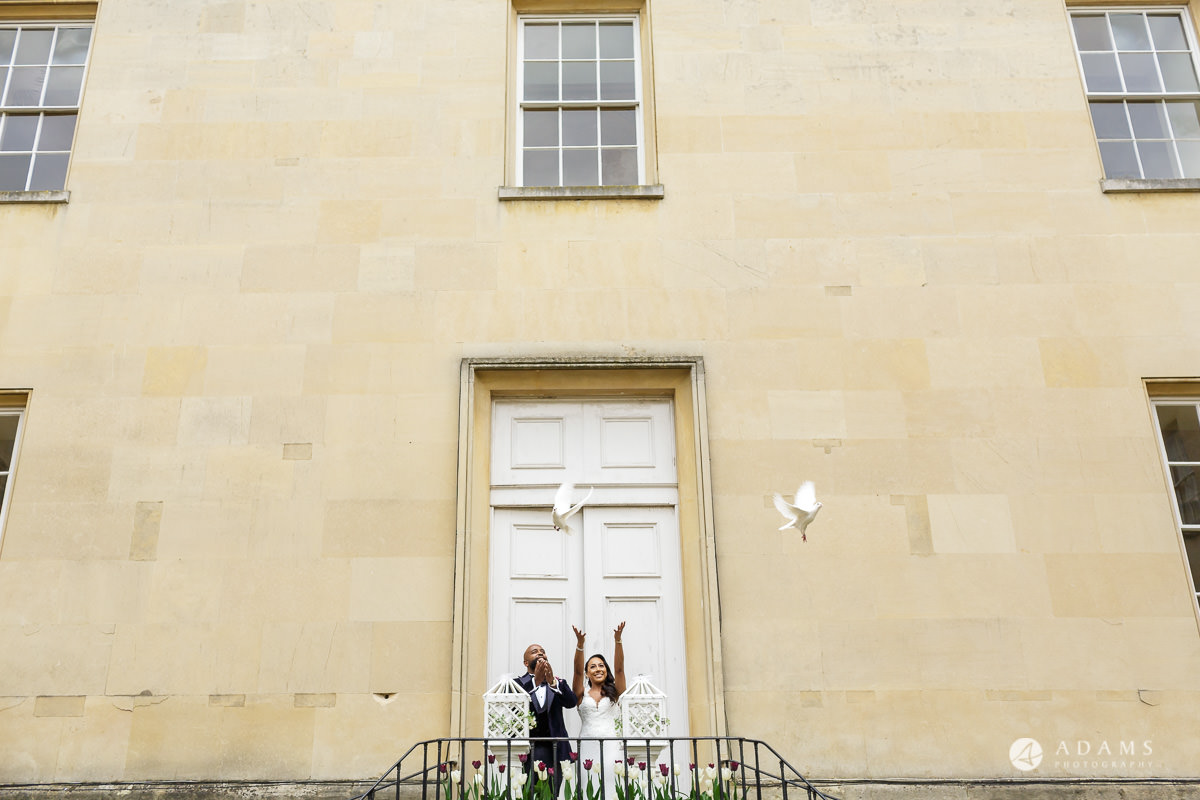 syon park house wedding the married couple release the doves
